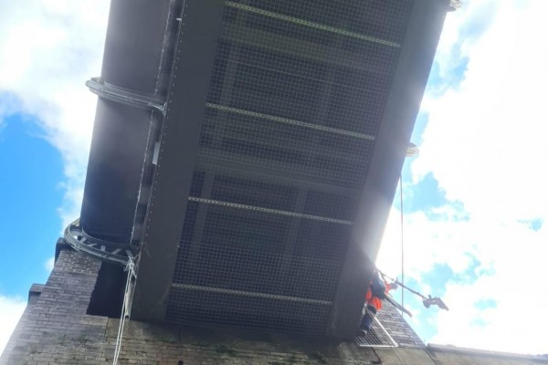 Rope Access Mesh Installation