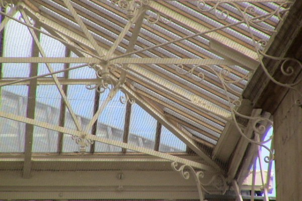 Anti-roosting Netting installed to Beams & Ledges